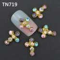 Bijoux pour ongles croix multi couleur